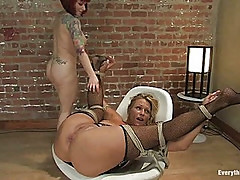 MILF porn legends Debi Diamond & Kylie Ireland first time ass fuck!