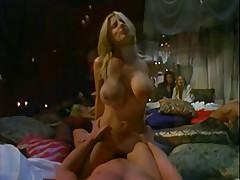 Jacqueline Lovell met a femalien