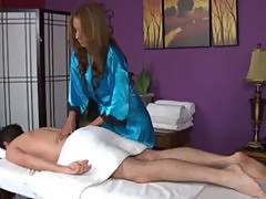 Raven babe loves massage blowjobs for her clients