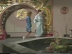 Vintage massage with Barbara Dare