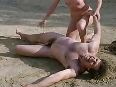 Frauen (1980) - Scene 12 France Lomay Fight