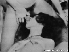 Linda Lovelace vintage threeway fuck session