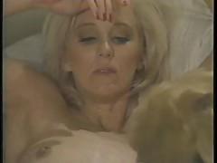 Kiss and Melanie Moore - Dyke Overflow (1994)