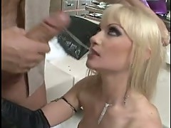 Anita hengher and Rocco Siffredi blowing of 10-pounder