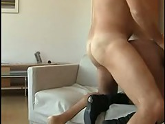 Rocco Siffredi let a sexy Babe bend on Daydaybed for Anal