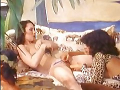 Beautiful honey Vanessa del Rio teases her girlfriend with her pussy wide open